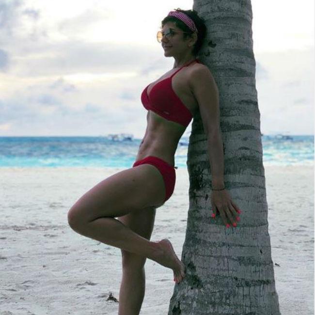 Mandira Bedi looks hot and sexy