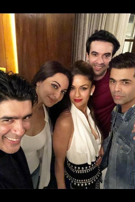 Manish Malhotra   s selfie with Aditi Rao Hydari  Huma Qureshi and other friends