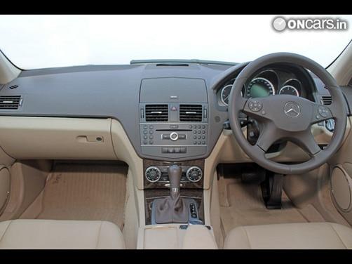 mercedes benz c250 cdi blue efficiency interior img1   mercedes benz