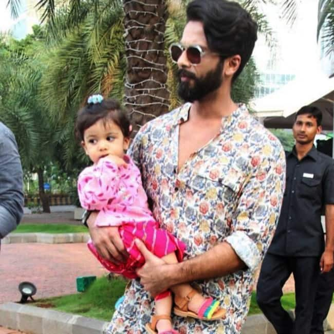 Misha Kapoor in skirt and top in daddy Shahid Kapoor   s arms
