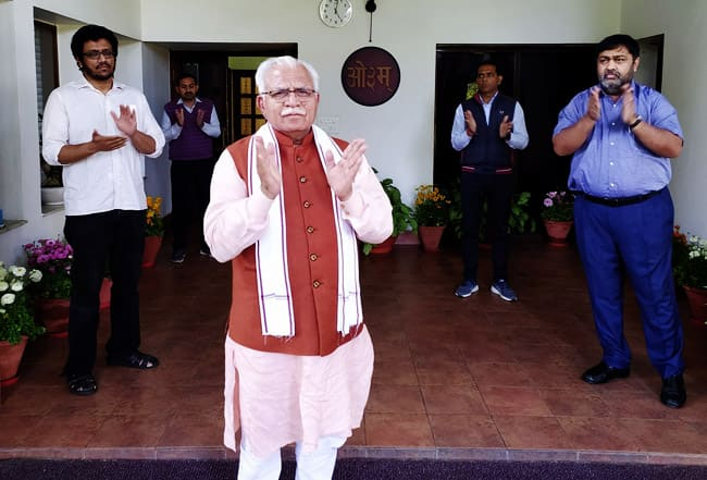 ML Khattar Applauds Coronavirus Fighters