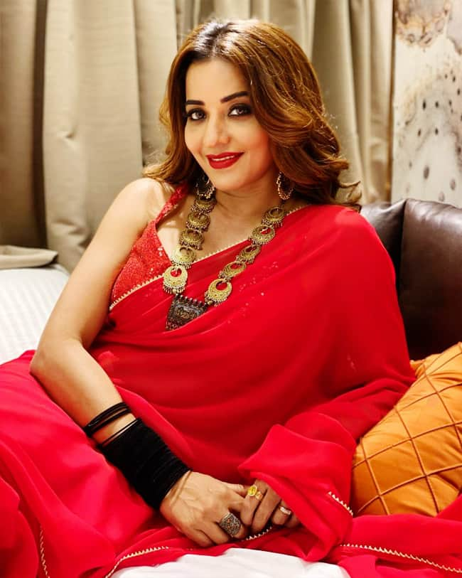 Monalisa dropped series of gorgeous photos in a red hot saree