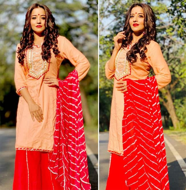 Monalisa looks gorgeous in a traditional outfit
