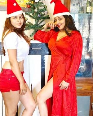 Bhojpuri Sensation Monalisa Strikes Sensuous Poses With Sister-in-Law as They Turn 'Santa Girls' This Christmas