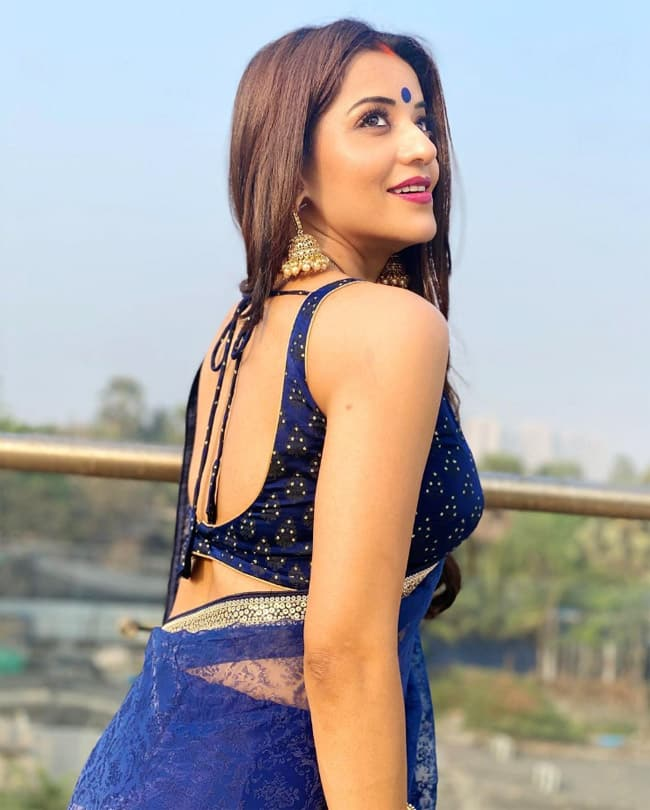 Monalisa wears a sheer blue saree in latest pictures