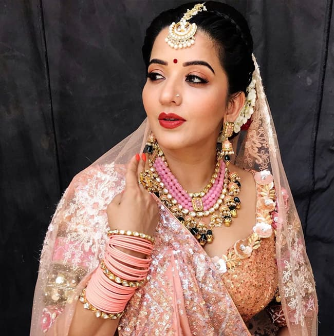 Monalisa s bridal look pictures will leave you mesmerized