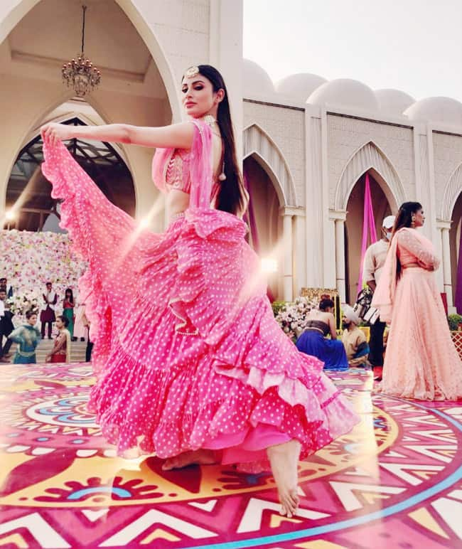 Mouni Roy   Angad Bedi   s Beithe Beithe Looks Are Captivating     See Photos From Song