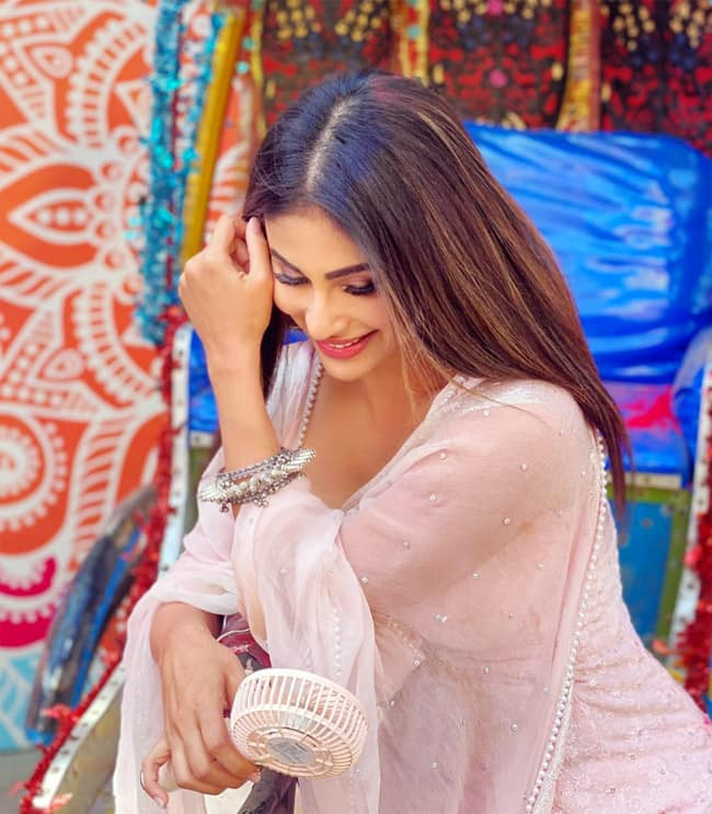 Mouni Roy Gives Out Holi Vibes in Latest Pictures