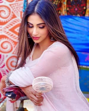 Mouni Roy Gives Out Holi Vibes in Pastel Pink Salwar-suit