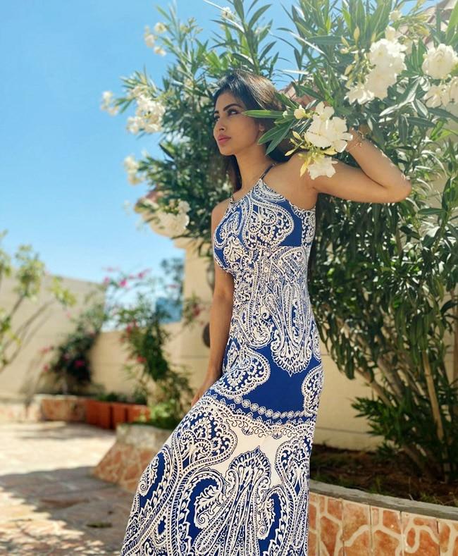 Mouni Roy Looks Beautiful