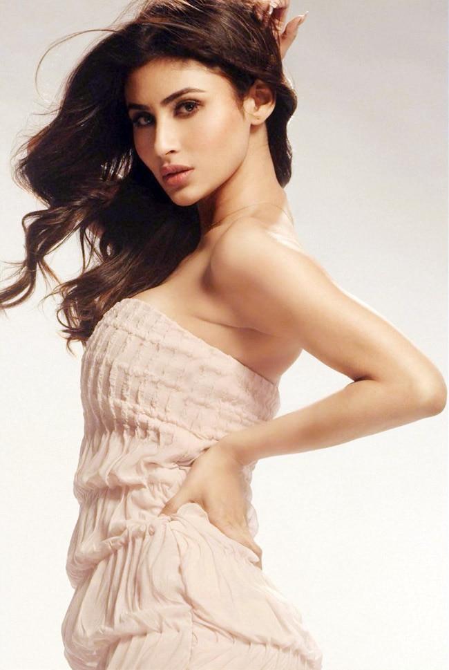 Mouni Roy looks breathtakingly gorgeous in a pink dress