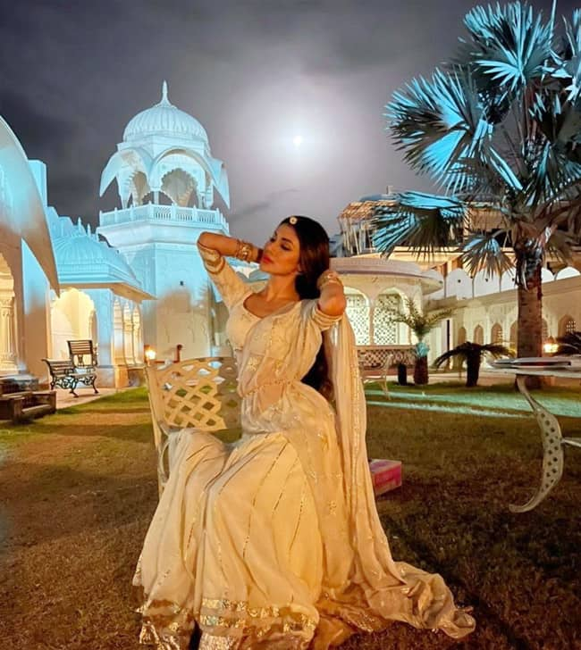 Mouni Roy Looks Royal In Stunning White Lehenga And Rajasthani Jewellery, Will Remind You Of Her Naagin Days