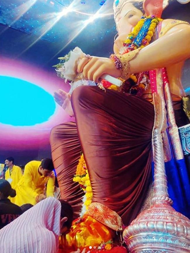 Mouni Roy Visits Lalbaugcha Raja in Stunning Pink Saree