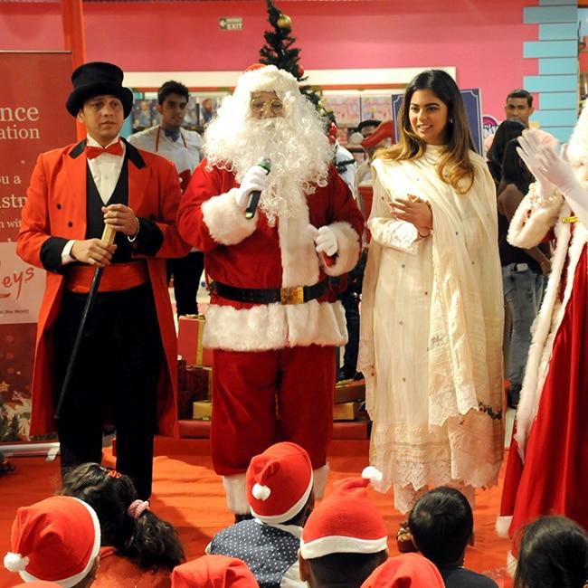 photos isha ambani celebrates christmas with underprivileged children at hamleys in mumbai - Who Celebrates Christmas