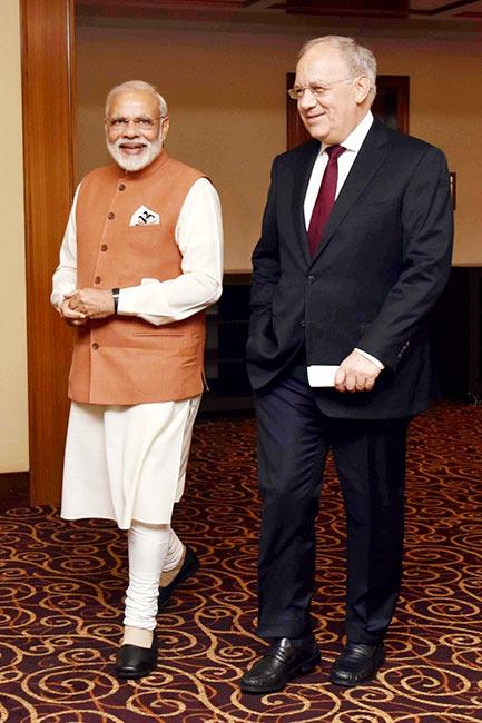 Narendra Modi clicked with Johann Schneider Ammann In Geneva