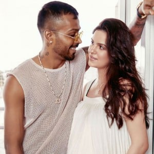 Natasa Stankovic Looks Stunning as Mom-to-be With Partner Hardik Pandya in This Maternity Photoshoot