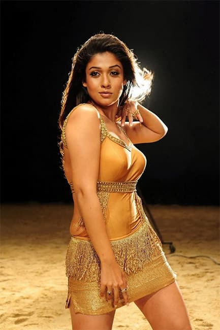Nayanthara looks hot AF in this picture