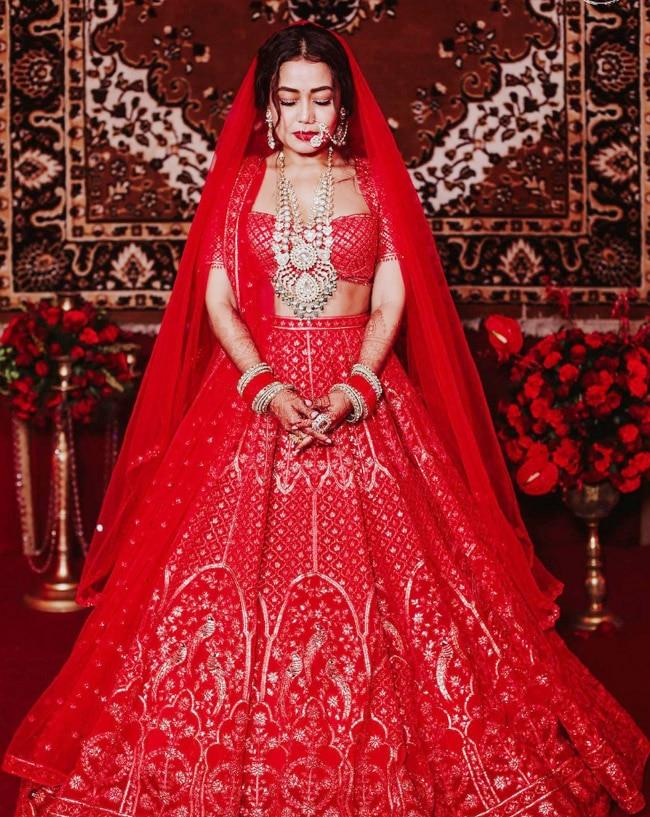 Neha Kakkar and Rohanpreet Singh share official wedding pictures