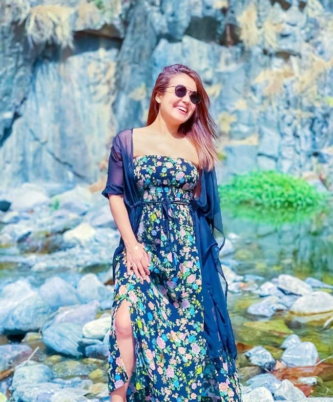 Neha Kakkar Looks Ravishing in Throwback Pictures
