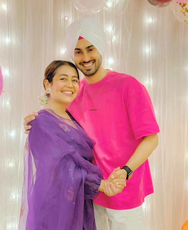 Neha Kakkar  Rohanpreet Singh Wish Fans    Eid Mubarak