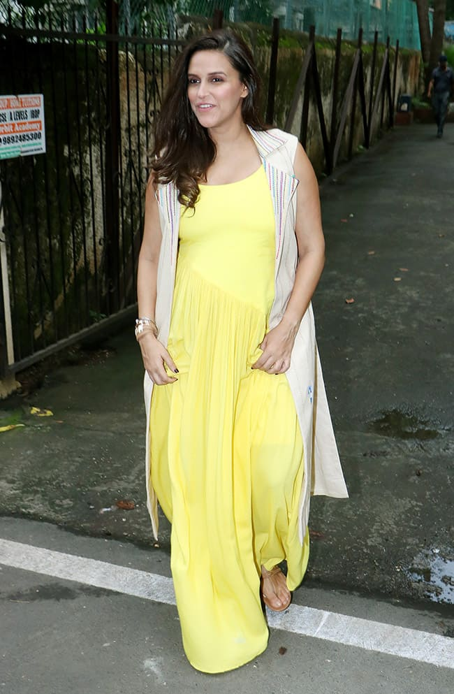 Neha Looks Stunning in Yellow Dress During The Shoot of an Advertisement