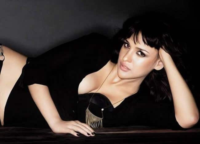 Neha Sharma in sultry black outfit for hot HD shoot