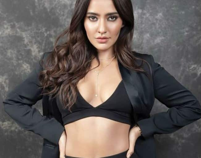 Neha Sharma hot and sexy pictures