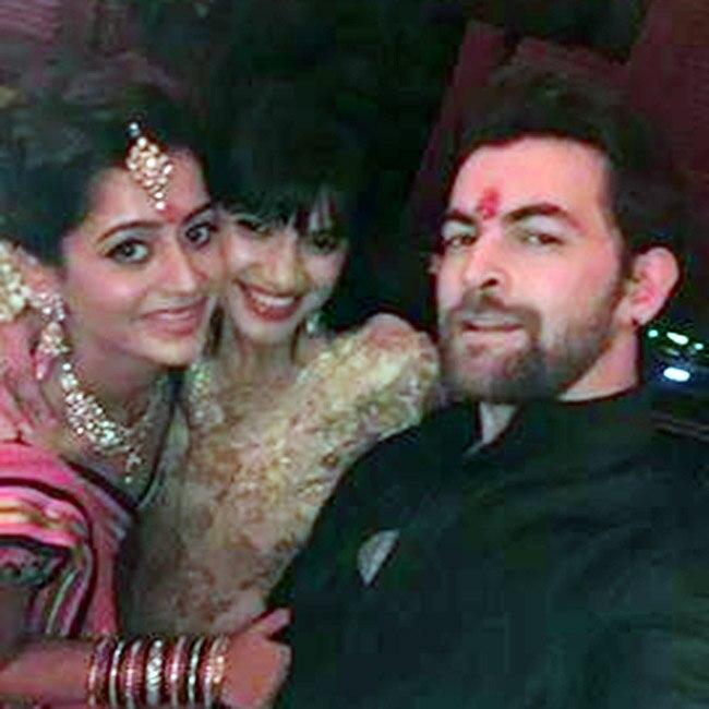 Neil Nitin Mukesh posing for a selfie with Rukmini Sahay