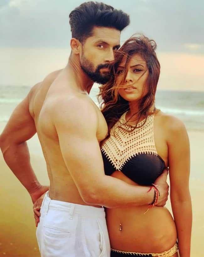 Nia Sharma And Ravi Dubey   s cozy pictures are taking the internet by fire