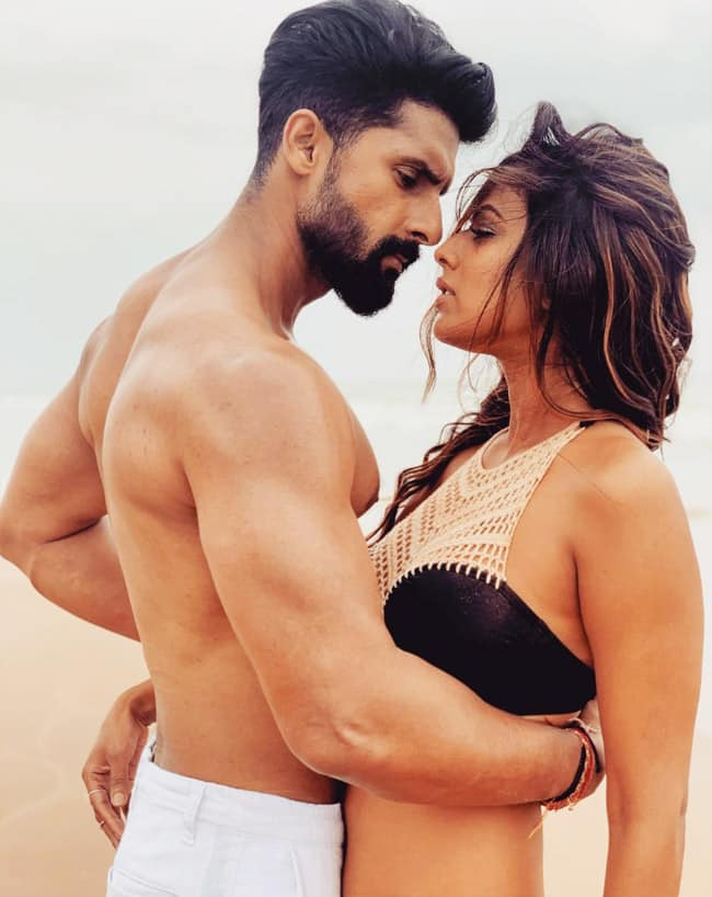 Nia Sharma And Ravi Dubey   s oh so hot beach picture goes viral