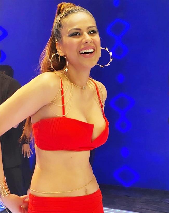 Nia Sharma Flaunts Her Perfect Curves