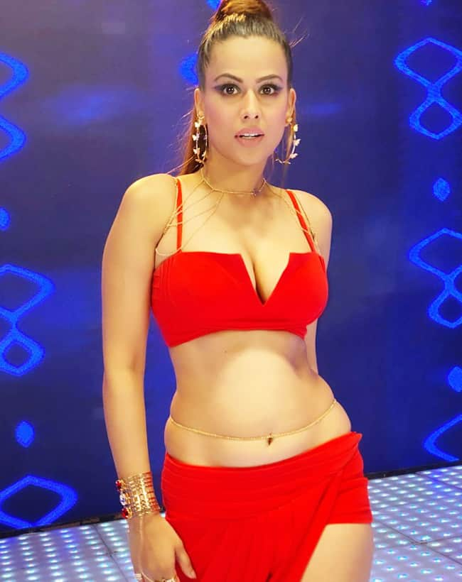 Nia Sharma Looks Smoking Hot In Sexy Red Outfit