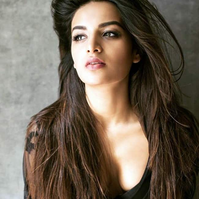 Nidhhi Agerwal looks sexy in this picture