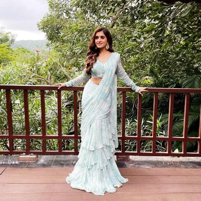 Nidhi Shah Aka Kinjal   s bold photos in this sexy saree