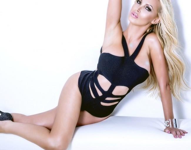 Modelo peludo de Yelena