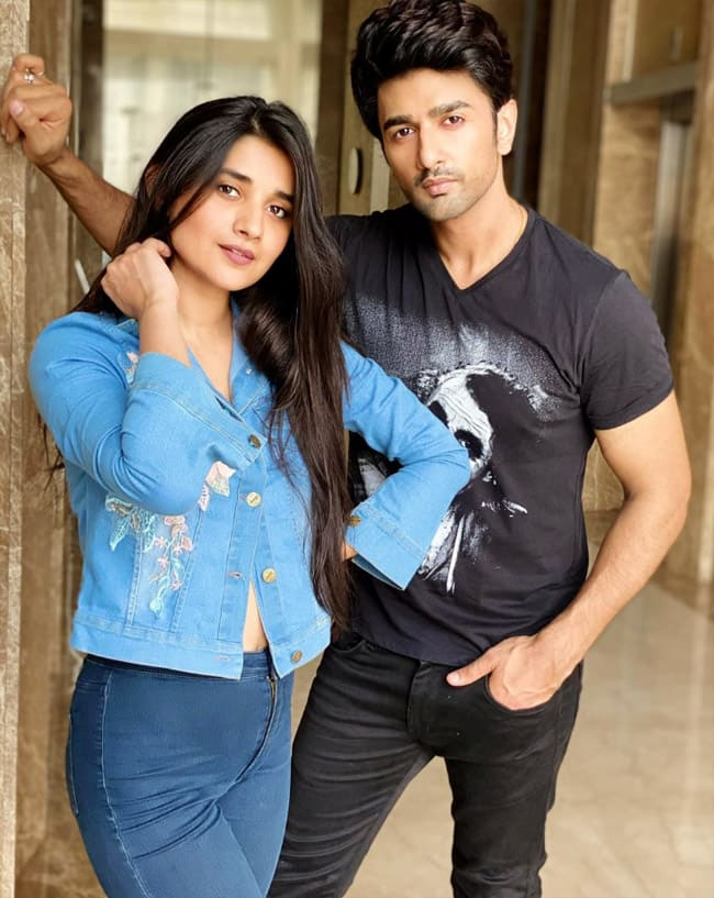 Nishant Malkhani is completely complimenting her