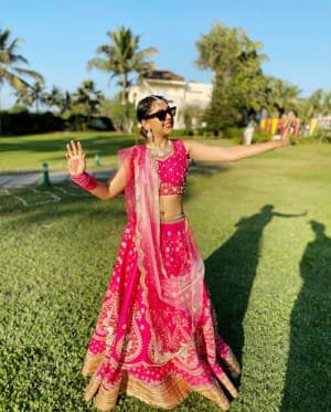 Niti Taylor Slays in Indian Outfit Whilst She Attends a Wedding in Jaipur, Actor's Latest Pictures Can Surly Make You Fall For Her