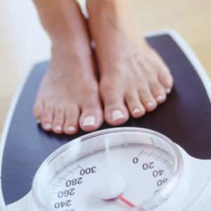 7 unhealthy habits which lead to WEIGHT GAIN!