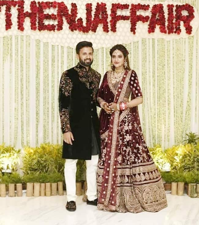 Nusrat Jahan and Nikhil Jain   s Wedding Reception in Kolkata