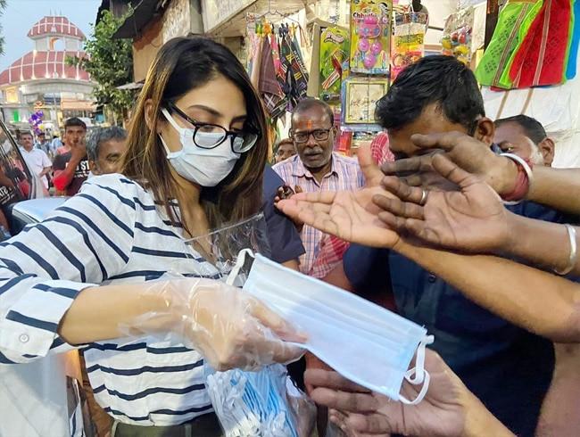 Nusrat Jahan Distributes Masks