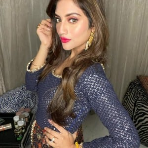 Bong Beauty Nusrat Jahan Looks Absolute Vision in Ethnic, See Pictures