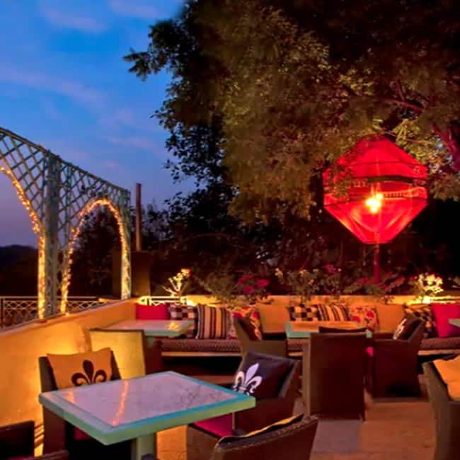 Here is the list of top romantic restaurants in Delhi for a perfect date.