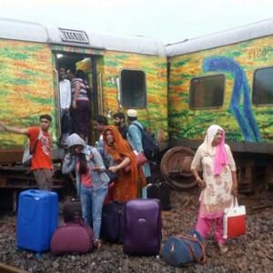 PHOTOS:  9 coaches of Nagpur Mumbai Duronto Express derailed; no causalities reported