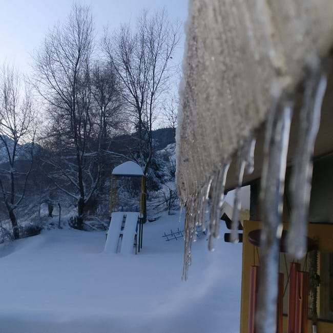 Pictures of snow bound Auli  Uttarakhand