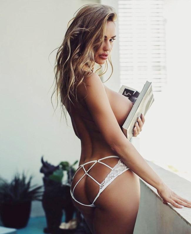 unsatisfied sexy women in sentation