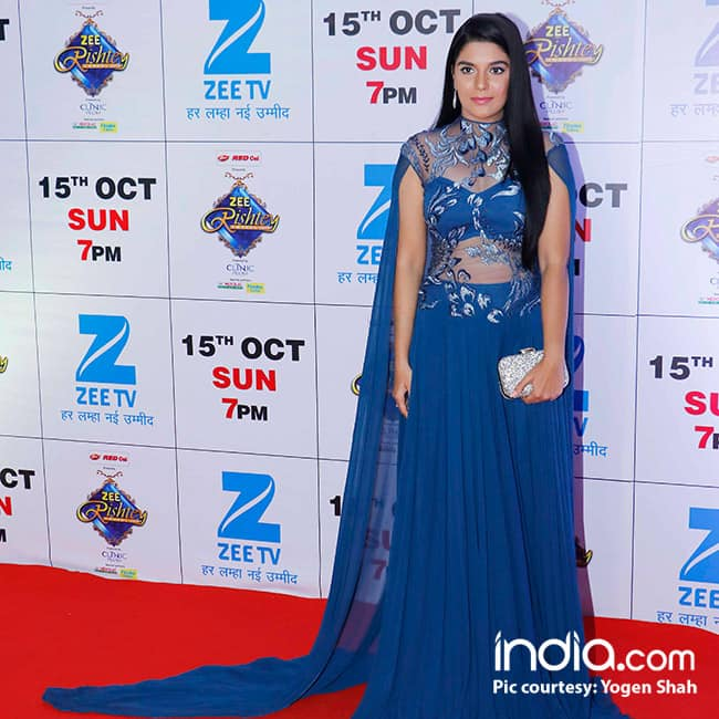 Pooja Gor at red carpet of Zee Rishtey Awards 2017