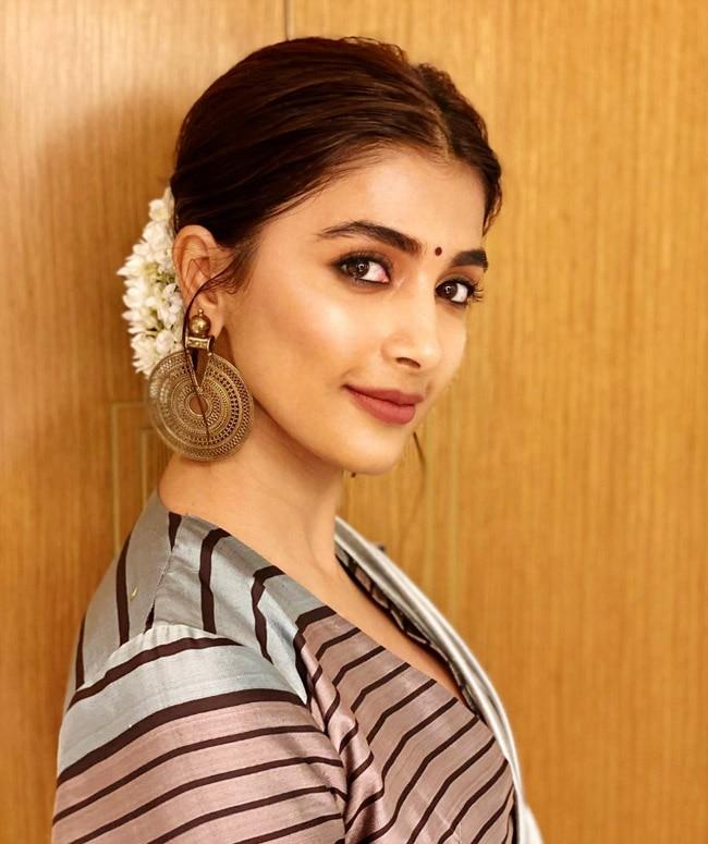 Pooja Hedge s saree look