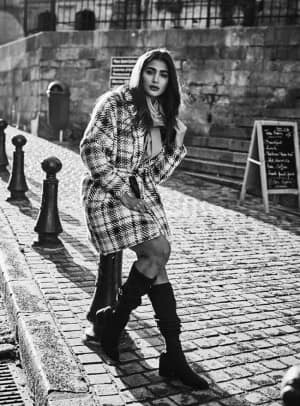 Pooja Hegde Shares Her Throwback Pictures And Asks Netizens to Lay Back, Feel The Breeze And Stay Positive Amidst Coronavirus Lockdown