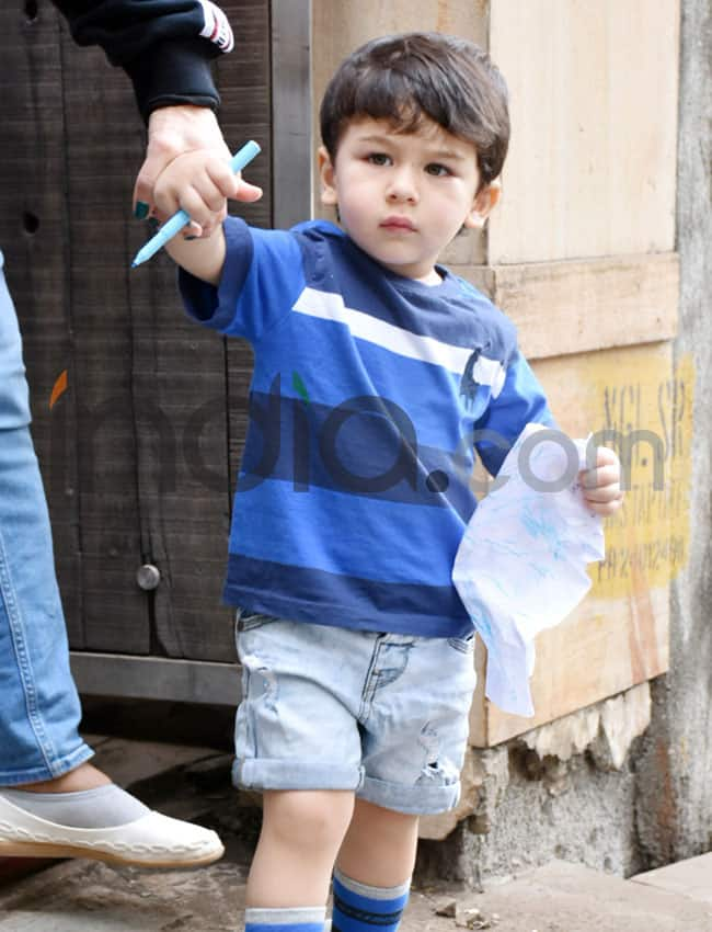 Prince Taimur makes an appearance
