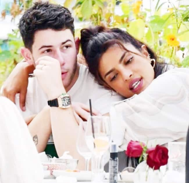 Priyanka Chopra Nick Jonas Spotted At a London Restaurant